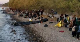 Εικόνες της προσφυγικής κρίσης του 2015 στη Λέσβο, 500 μετανάστες έφτασαν στο νησί