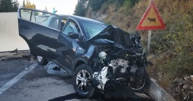 Χανιά: Τραγωδία με μια νεκρή και άλλους 5 τραυματίες σε τροχαίο στους Αγ.Πάντες (φωτο)