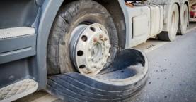 Φορτηγό με ελαστικό… βόμβα (+video)