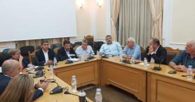 Συνάντηση στην περιφέρεια Κρήτης για την πολιτική προστασία,παρουσία Χαρδαλιά και Αυγενάκη