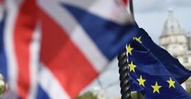 Brexit: Η Γαλλία απειλεί με βέτο για νέα παράταση