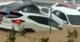 Ισπανία: Εικόνες καταστροφής από καταρρακτώδεις βροχές, δρόμοι χείμαρροι και 2 νεκροί