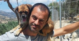 Τάκης Προεστάκης: Ο Κρητικός Άγιος των αδέσποτων ζώων