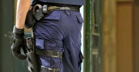 Ιδιοκτήτης καφέ έψαχνε αστυνομικό για να του επιστρέψει το όπλο που ξέχασε