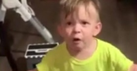 Δίχρονος ξεσπά επειδή η μαμά του πήγε στη δουλειά χωρίς να τον φιλήσει