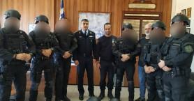 Οκτώ κράνη δώρο στους άνδρες της ΟΠΚΕ από τους Αστυνομικούς Ηρακλείου