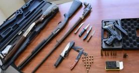 Οι μπαλωθιές αποκάλυψαν μικρό οπλοστάσιο σε σπίτι (φωτο)