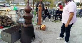 Έστησαν το ρακοκάζανο στη Σούδα (φωτο - βίντεο)