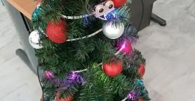 Δημιουργία «έξυπνου» χριστουγεννιάτικου δέντρου από μαθητές στα Χανιά (φωτο+βιντεο)