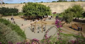 Τις δυο νέες παιδικές χαρές στα Ενετικά Τείχη εγκαινίασε ο Δήμαρχος Ηρακλείου
