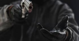 Σκηνές τρόμου για υπάλληλο ΚΕΠ - Άνδρας έβγαλε πιστόλι απειλώντας την με τη ζωή της