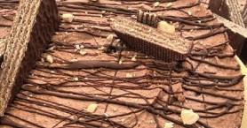 Τούρτα σοκολάτας με γκοφρέτες