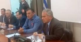 Αποχώρησε από εκδήλωση ο Μάκης Βορίδης λόγω συγκέντρωσης οπαδών του ΠΑΟΚ