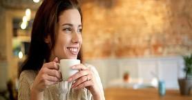 Επτά πράγματα που συμβαίνουν στον οργανισμό σας όταν πίνετε καφέ κάθε μέρα