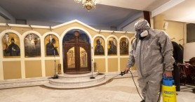 Κορωνοϊός: Άνοιξε τους ναούς ο Μητροπολίτης Κυθήρων - Σχηματίστηκε δικογραφία σε βάρος του