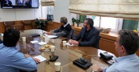 Τα προβλήματα κηπευτικών-αγροτικού τομέα της Κρήτης σε τηλεδιάσκεψη Υπουργού Περιφερειάρχη