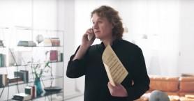 Ο Πέτρος Γαϊτάνος επιστρέφει: Δείτε τα δυο νέα διαφημιστικά viral spots για το Πάσχα
