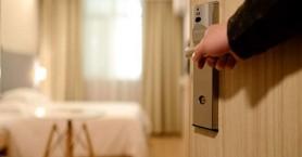 Πέντε ιδιοκτήτες μεγάλων ξενοδοχείων στα Χανιά απαντούν αν θα ανοίξουν τα ξενοδοχεία τους