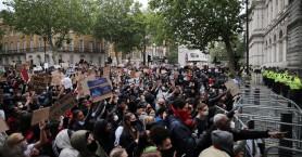 Λονδίνο: Μαζικές διαδηλώσεις και πάλι για τον Τζορτζ Φλόιντ