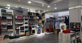 Καλοκαιρινές εκπτώσεις που απογειώνουν το ντύσιμο: Μεγάλες μάρκες...μικρές τιμές για όλους