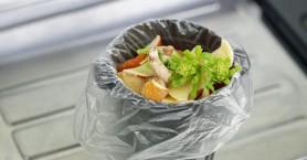 Ένα στα 3 τρόφιμα πετιέται: Η τεράστια σπατάλη σε νούμερα