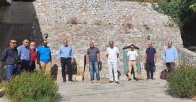 Στην μοναδική ιαματική πηγή της Κρήτης ο Δημήτρης Φραγκάκης (φωτο)