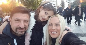 Ο Νίκος Χαρδαλιάς στέλνει γλυκιές ευχές στη μικρή του κόρη