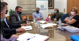 Σύσκεψη εργασίας στην Περιφέρεια για τις παρεμβάσεις στον Δήμο Χερσονήσου (βίντεο)