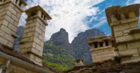 Οι πέτρινοι «πύργοι» στο Πάπιγκο που δεν περνούν απαρατήρητοι (φωτο)