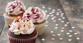Συνέλαβαν σεφ που έφτιαξε cupcakes με άσεμνα… σχέδια