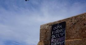 Κρέμασε πανό η Rosa Nera στον λόφο Καστέλι (βίντεο - φωτο)