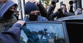 Λιγνάδης: Απόμακρος και απρόσιτος στις φυλακές – Βλέπει τηλεόραση και κρατάει σημειώσεις
