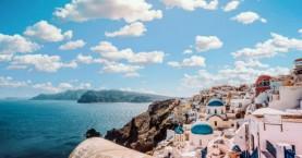 Mε το σύνθημα «All you want is Greece» θα ανοίξει ο τουρισμός – Η ημερομηνία ορόσημο