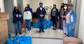 Επισκέψεις Δημάρχου Χανίων σε δομές - Προσέφερε αυγά και εδέσματα