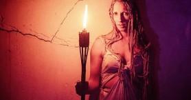 Ο αρχαιοελληνικός μύθος της Μέδουσας ζωντανεύει μπροστά σας με την παράσταση