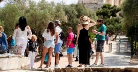 ΤτΕ: Στο 61,4% του 2019 τα τουριστικά έσοδα του φετινού Ιουλίου – Εισπράξαμε €2,27 δισ.