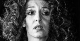 Σοκάρει η Δήμητρα Παπαδήμα: «Μου παραβίαζε το εσώρουχο πάνω στη σκηνή»