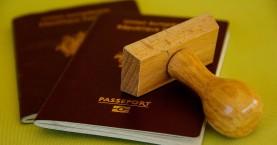 Χειροπέδες σε 23 αλλοδαπούς για πλαστά διαβατήρια στο Ηράκλειο