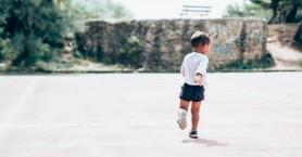 Θεσσαλονίκη: Νήπιο βρέθηκε μόνο του σε δρόμο εκτός του σχολείου
