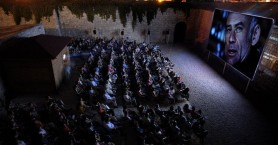 «Φούστα – Μπλούζα» των Ρέππα- Παπαθανασίου στο Ανοικτό Θέατρο της Πύλης Βηθλεέμ