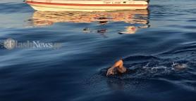 Ξεκίνησε για τον άθλο του o Βροντάκης - Από τα Σφακιά στη Γαύδο κολυμπώντας(βίντεο + φωτο)