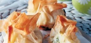 Πουγκιά με λευκά τυριά και μυρωδικά