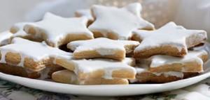 Μπισκότα «αστέρια» με άσπρο γλάσο