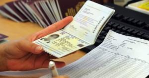 Συνελήφθησαν δεκατρείς αλλοδαποί για πλαστογραφία πιστοποιητικών στον Αερολιμένα Ηρακλείου