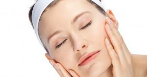 Οκτώ beauty tips για να επωφεληθείς τις ώρες του ύπνου και να ξυπνάς ακόμη πιο όμορφη