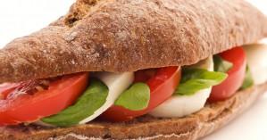 Σλοβένος βουλευτής παραιτήθηκε επειδή έκλεψε ένα σάντουιτς!