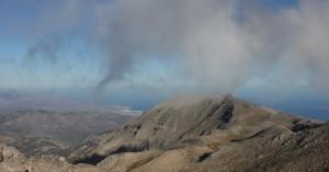 Στα λευκά οι πρώτες κορυφές στα Λευκά Όρη (φωτό)