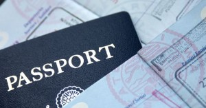 Συνελήφθησαν 51 αλλοδαποί για πλαστογραφία πιστοποιητικών στον Αερολιμένα Ηρακλείου