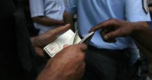Σύλληψη 44 αλλοδαπών για πλαστογραφία πιστοποιητικών