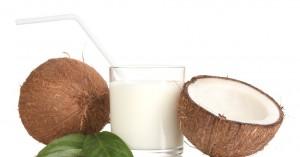 Γιατί πρέπει να εντάξετε το νερό καρύδας στη διατροφή σας